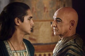 from-left_tutavan-jogia-and-ayben-kingsley-1437405096