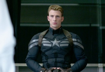 captain-america-is-definitely-getting-a-new-uniform-in-avengers-age-of-ultron
