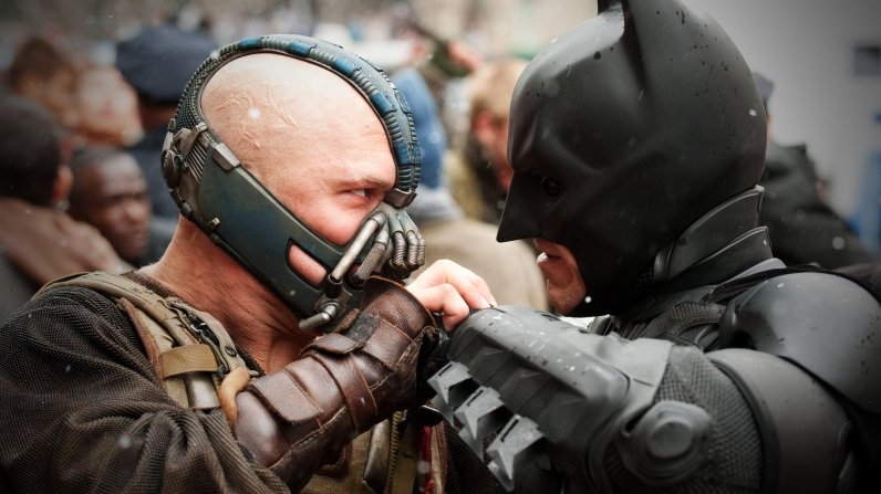 the-dark-knight-rises-bane-ve-batman-f225