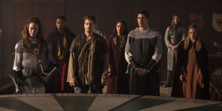 legends-of-tomorrow-camelot-3000-king-arthurs-round-table