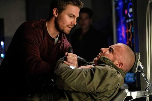 legends-of-tomorrow-season-2-premiere-stephen-amell-mick-rory