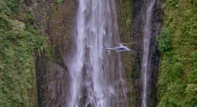 jurassic-park-helicopter-landing