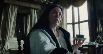 gallery-1531161729-olivia-colman-the-favourite-2