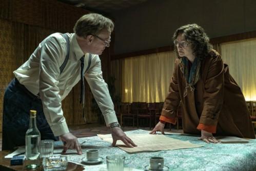 chernobyl-episode-2-jared-harris-emily-watson