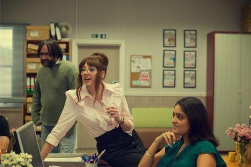 0_After-Life-2_Diane-Morgan_Mandeep-Dhillon-David-Earl_Netflix